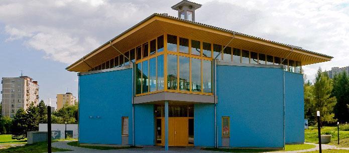 Atypické drevené okná a dvere<br> Autor:<a href=http://okna.dobretipy.sk/mintal-sro-sielnica> MINTAL s.r.o., Sielnica</a>