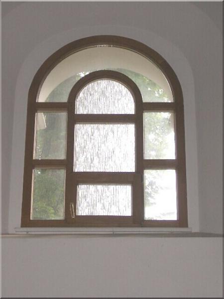 Atypické drevené okno<br> Autor: DREVOVÝROBA OPDP spol. s r.o., Lipany