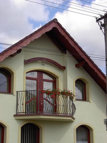 Atypické balkónové eurodvere a okná<br> Autor: <a href=http://okna.dobretipy.sk/luna-1-sro-trencin>L.u.n.a.1 spol. s.r.o., Trenčín</a>
