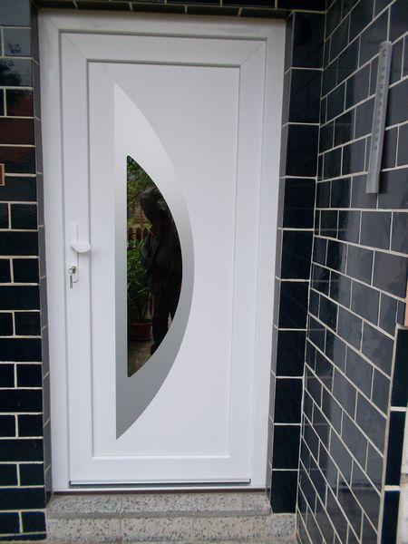 Biele plastové vchodové dvere<br> Autor: Riplast, Martin
