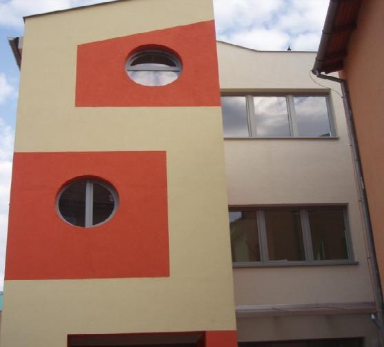 Kruhové plastové okná<br> Autor: Ing. Barnabáš Gróf - EKOSTAV, Dunajská Streda