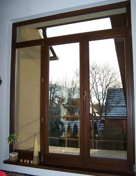 Okno dvojkrídlové so svetlíkmi<br> Autor: FEVA - drevovýroba, s.r.o., Krasňany