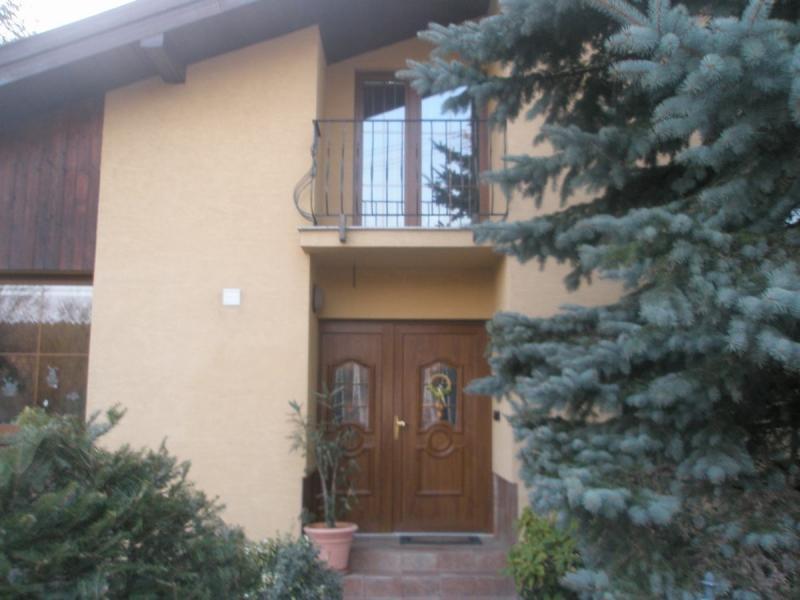 Plastové dvere a okno<br> Autor: <a href=http://okna.dobretipy.sk/oknosystem-sro-kosice> Oknosystém s.r.o., Košice</a>