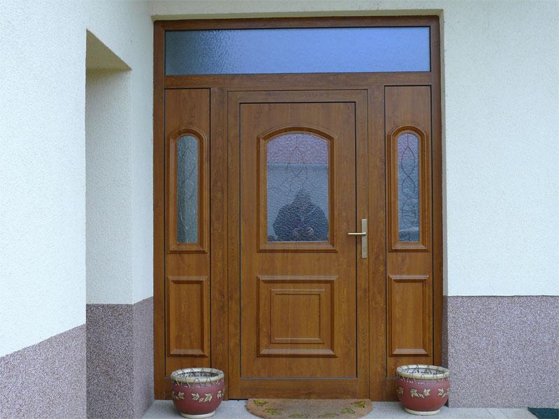 Plastové dvere so sklom<br> Autor:<a href=http://okna.dobretipy.sk/rod-sro-trencin>R.O.D., s.r.o., Trenčín</a>