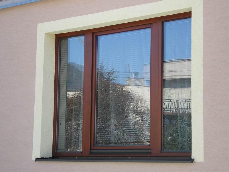 Plastové okno - imitácia dreva<br> Autor: Milan Gladiš, Lipany