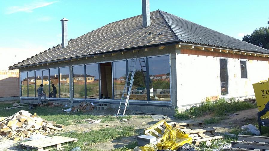 Velkoplošné presklené plochy - rodinný dom<br> Autor: <a href=http://okna.dobretipy.sk/jozef-vindis-az-house-drahovce>AZ house, Drahovce</a>